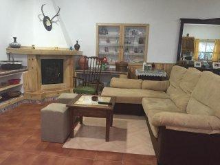 Bonita casa con salón rústico en Almodóvar del río, Almodóvar del Río
