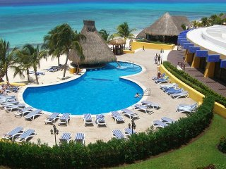 MVC Melia Cozumel: Studio, Sleeps 4, Kitchenette