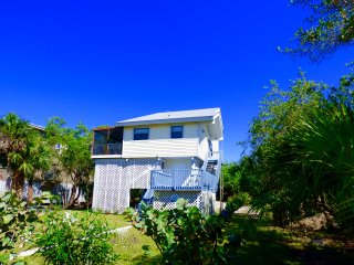 Island Breeze on Little Gasparilla Island, Placida