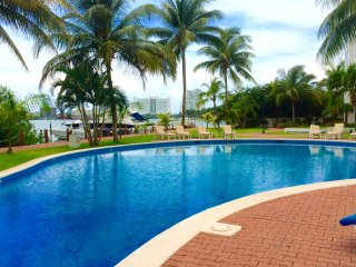 Waterfront condo in a exclusive private island., Cancún