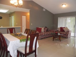 Welcoming LONG TERM TRAVELS - New Fully Furnished, Plantation