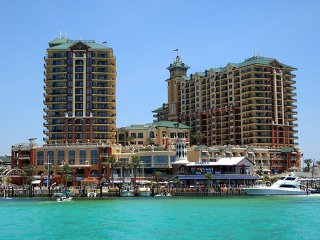 Upscale 3 bed Emerald Grand resort Destin Harbor 50% off amazing ocean view
