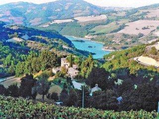 11 bedroom Villa in Giomici, Umbria, Italy : ref 2269527, Valfabbrica
