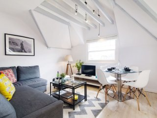 Earls Court III apartment in Kensington & Chelsea with WiFi.