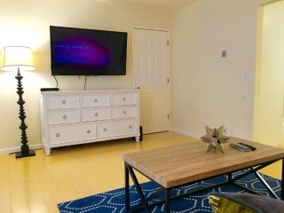 1 Bedroom Apartment in Mountain View Village - Dedicated Parking