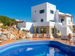Fedra 7BR Luxury Villa In Tersanas, Chania