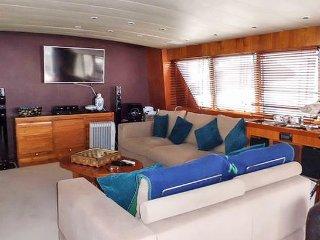 New listing! Motor Yacht Cabin 2, Barcelona