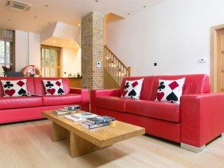 Exclusive 3bd Marylebone Mews House {AC1}