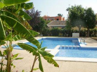 Villa Patricia, Bungalow with sep Apartment on top, Los Alcazares