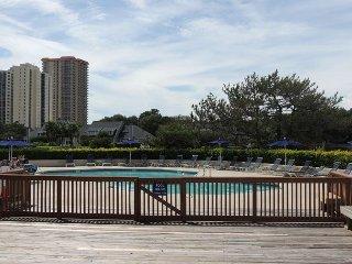 Lake View, Updated Richmond Park #20H, Kingston Myrtle Beach, SC