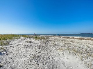 1417 S. Beach Villa - Fabulous beachfront views from our renovated townhouse., Hilton Head
