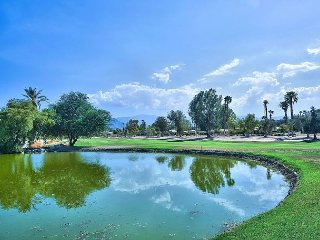 Palm Desert Perfection - Stay and Play, Close to Restaurants and Polo Grounds