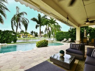 The Chandelier- 4 Bedrooms + 2.5 Bathrooms, Boca Ratón