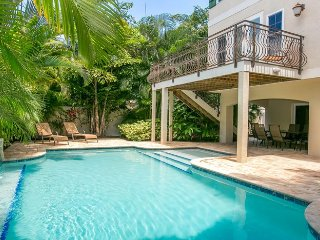 Seabreeze Villa:Large Family Friendly Private Pool Home With An Outdoor Kitchen!