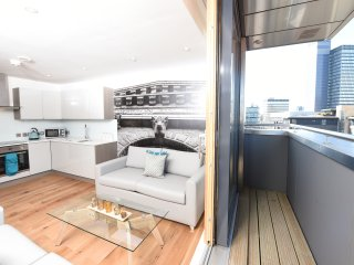 Two-bed, balcony, sleeps 4 (13E)