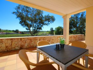 Four Winds Apartments Harmatao, Wine & Art Estate, 2 Bedroom, Sleeps up to 5, Air-con, Shared Pool a