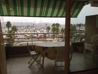 Bel appartement avec vue mer et marina