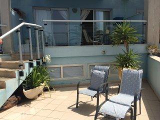 Romantic apartment with sea views, Blue Marine