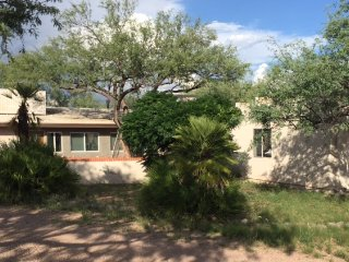 Freedom on the go Ranch, Queen be Room, Tubac