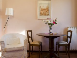 624  * S. Niccolo apartment, Florence
