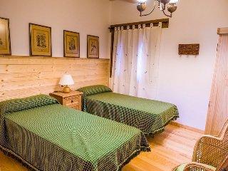 Habitación doble con armario de tres cuerpos