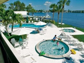 CHARTER CLUB OF NAPLES BAY, Naples
