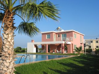 3BR Amazing Villa, Large Private Swimming Pool, Paphos