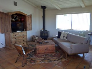 + Grand Views + Cozy Dezert Retreat by Joshua Tree, Yucca Valley