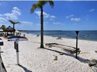 Vacation Rentals Beachfront Elegant 2b. 1.5b Home, Bahia Beach 466, Apollo Beach