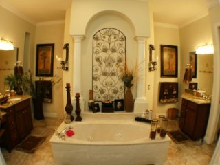 acation Rentals Waterfront luxury 4br 3b pool/spa home, Cape Coral