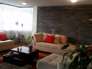 well located  aparment in Quito