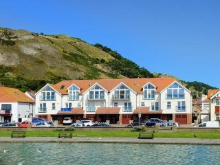 WEST BEACH, sea views, luxury townhouse, WiFi, in LLandudno, Ref 939352, Llandudno
