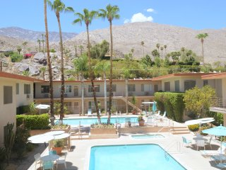 The Desert Skies Condo - Your Home Away From Home, Palm Springs