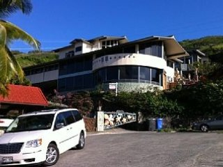 AlohaPalace com 3-story OceanView w/Cottage,Pool & Elevator. 30 Day Minimum Stay