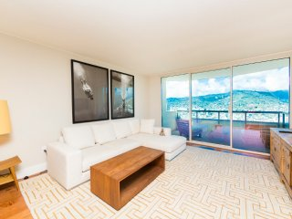 Waikiki Luxury 2 bedroom Condo, Honolulu