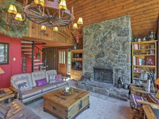 3BR + Loft Breckenridge House w/Private Deck!