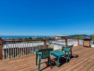 Bright home w/ sweeping ocean views & quiet location - close to town