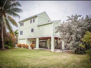 **Fall Promo** Gorgeous Keys Waterfront Home with Private Dock & Ramp, Islamorada