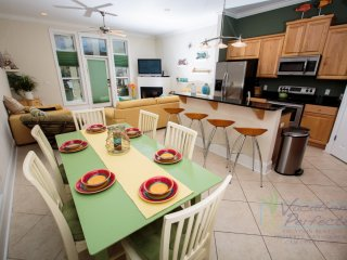 3BR 3.5BA Multi family beach house w/ private pool!  Sleep 10!, Panama City Beach
