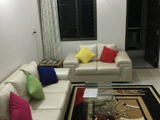 Satvam 2 - A Perfect 2BR Holiday Home, Vadodara.