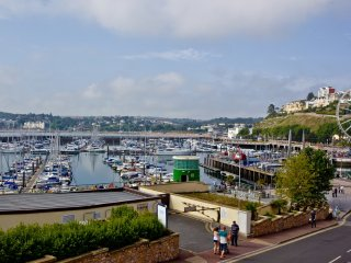 Au Bord De La Mer, Apartment 2 located in Torquay, Devon