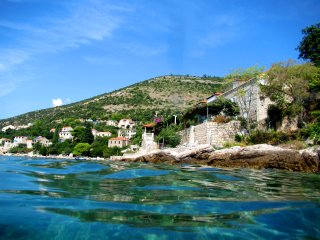 Studio on the beach &private terrace &amazing view, Dubrovnik