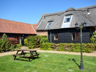 Fennel - Beautiful country barn conversion, Ludham