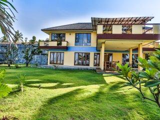 Salsabila Villas, Beach front,family,surfing villa