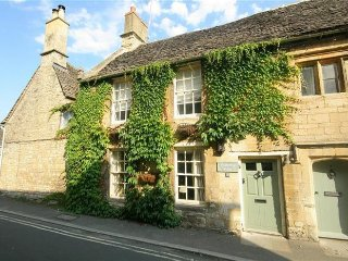 West Farthing Cottage, Burford (sleeps 4), Swinbrook