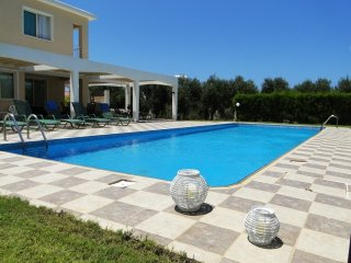 3BR Villa in Sea Caves with large private pool