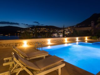 Villa Kral - Luxury Villa, 5 Bed, Sleeps 13, Pool