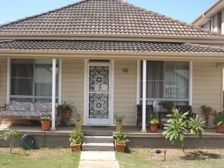Throsby Creek Cottage, Newcastle