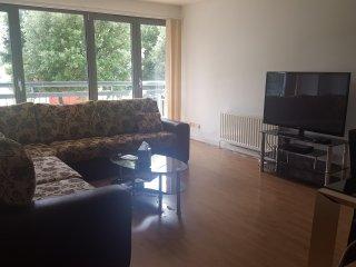 Beautiful 3 Bed Apartment 11/13M, Edinburgh