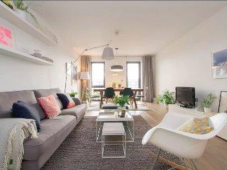 2 bedroom penthouse flat in London